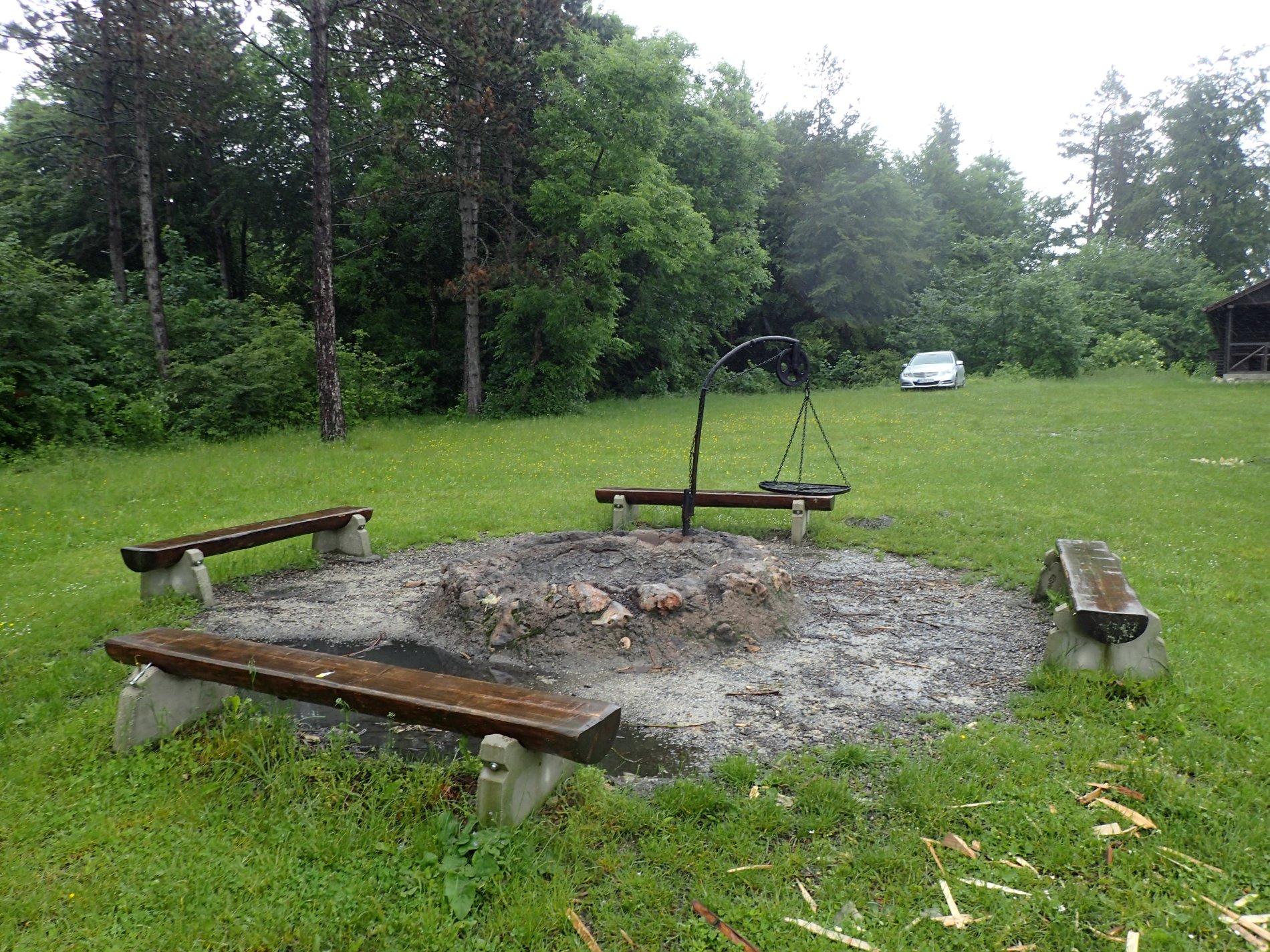 Grillplatz an der CVJM Hütte am Traufgang Wacholderhöhe
