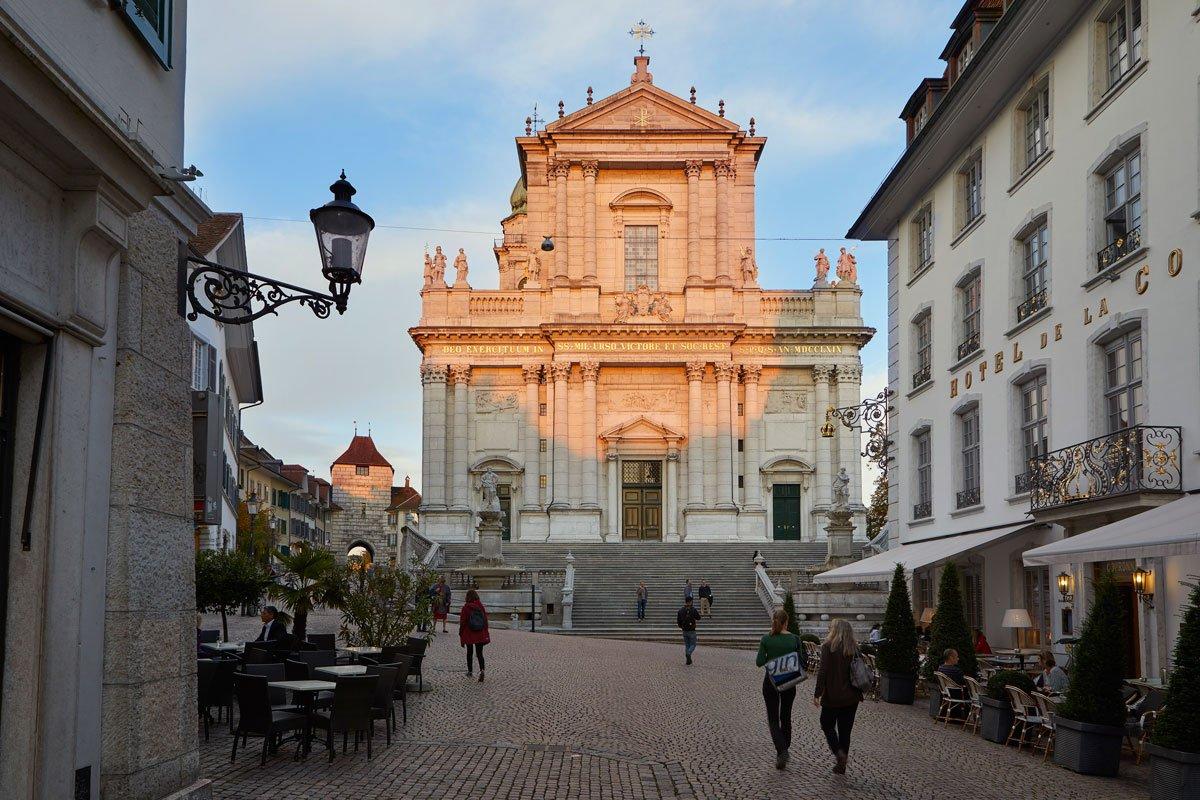 Hauptgasse_Allée principale Cathédrale St-Ursen Soleure