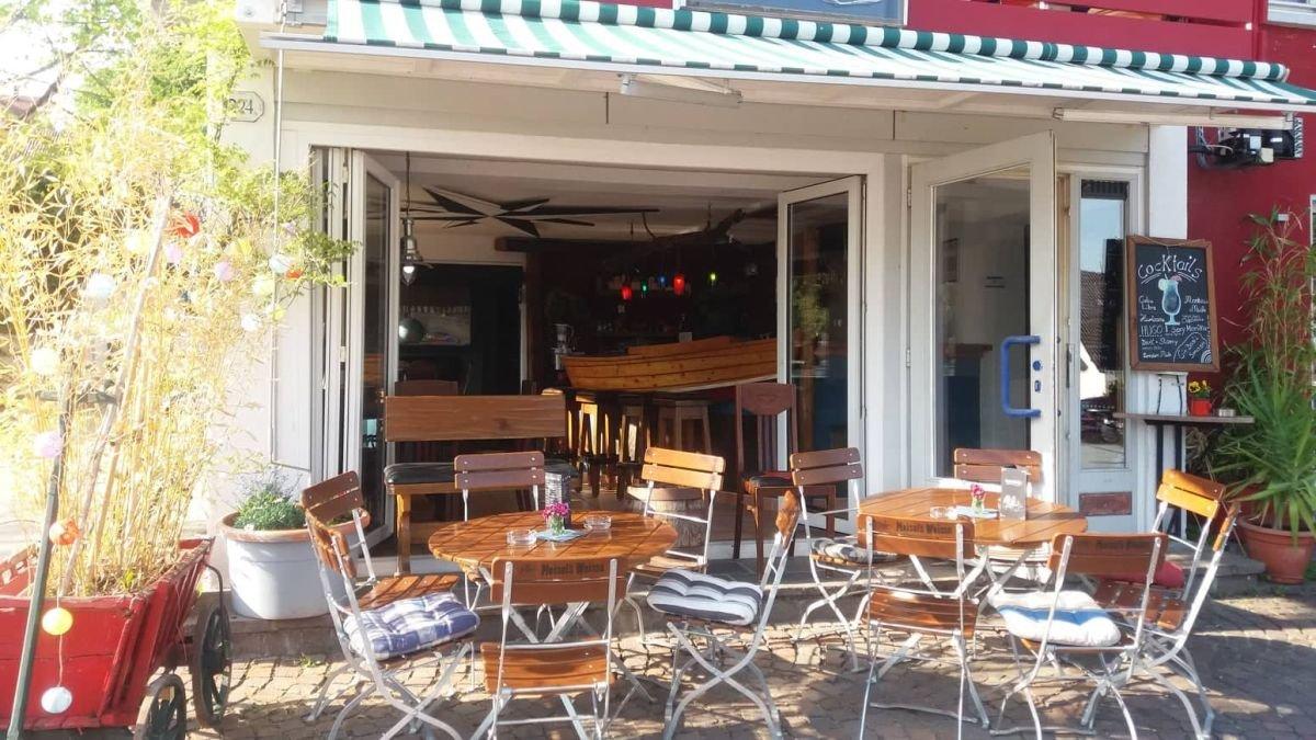 Aussenansicht Café-Bar Boot