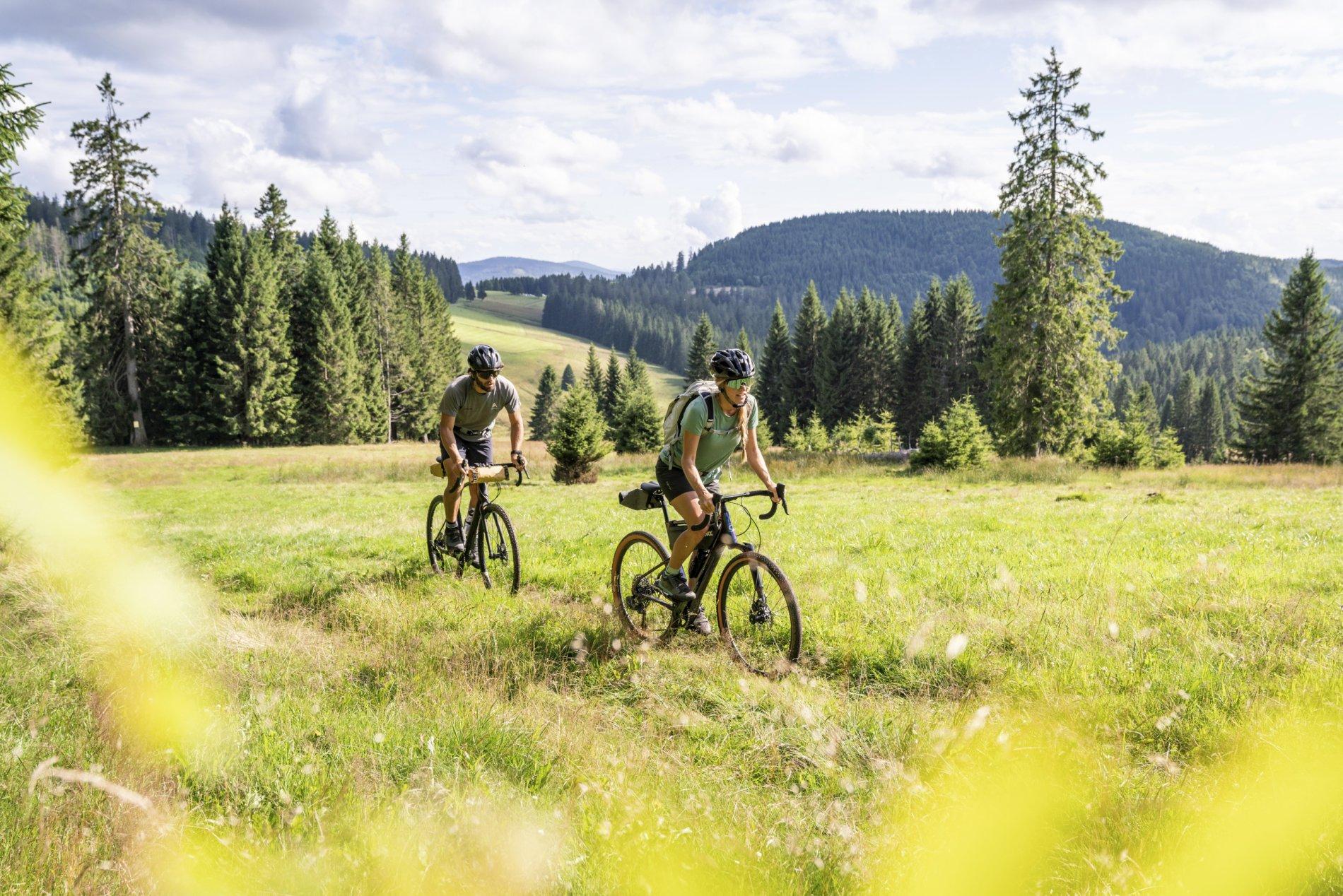 Radtour in Tracht