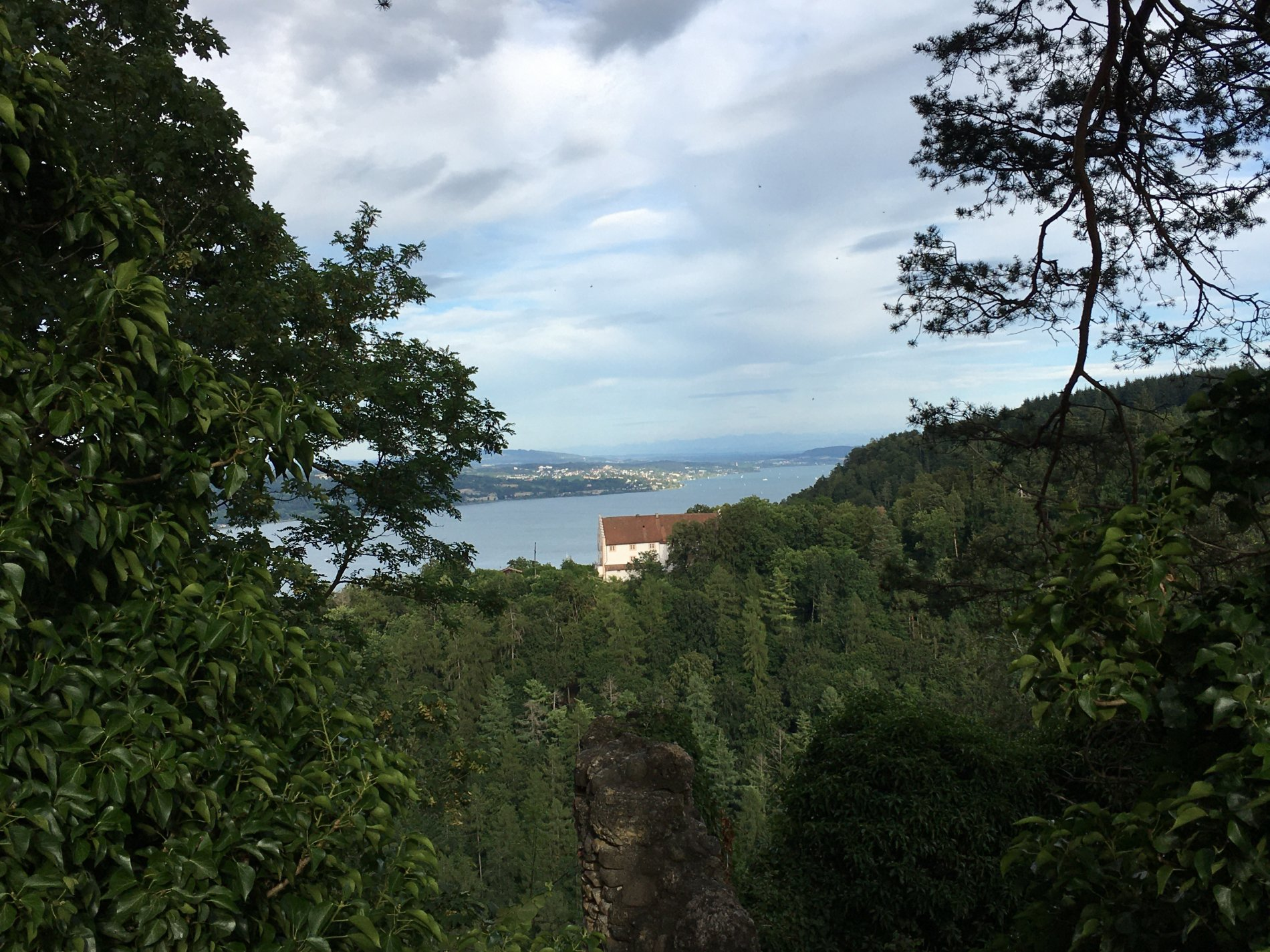 Blick auf das Kloster Frauenberg