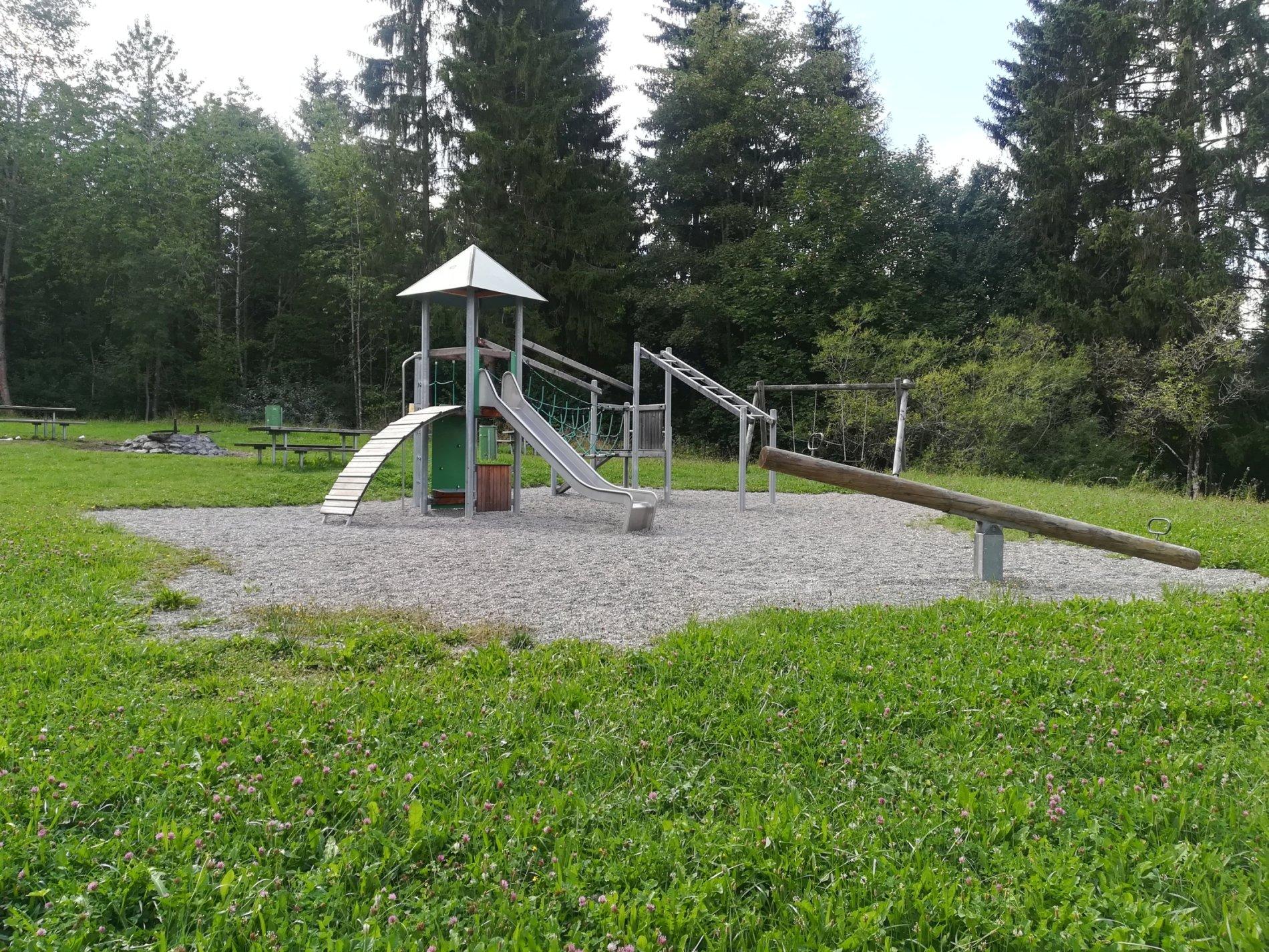 Spielplatz Laufen Rübhay-So viel Platz zum auspowern!