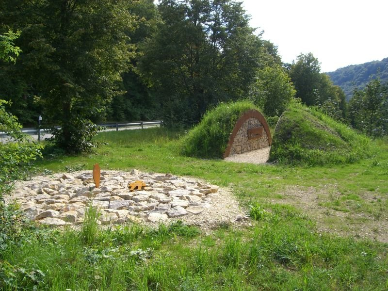 begehbarer Grabhügel in Riedenburg-Haidhof