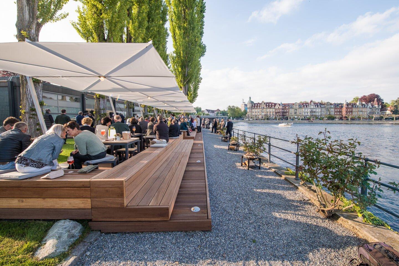 Historisch, erfrischend, naturnah: Der Biergarten im Steigenberger Inselhotel