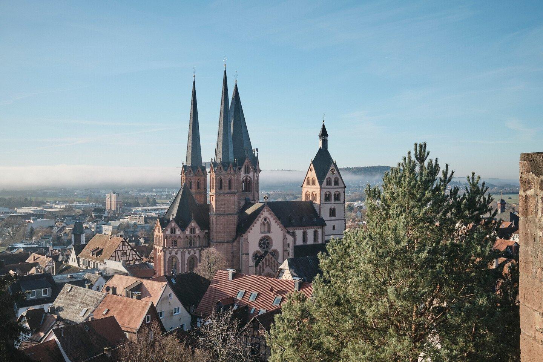 Spessart - Blick auf die Marienkirche Gelnhausen