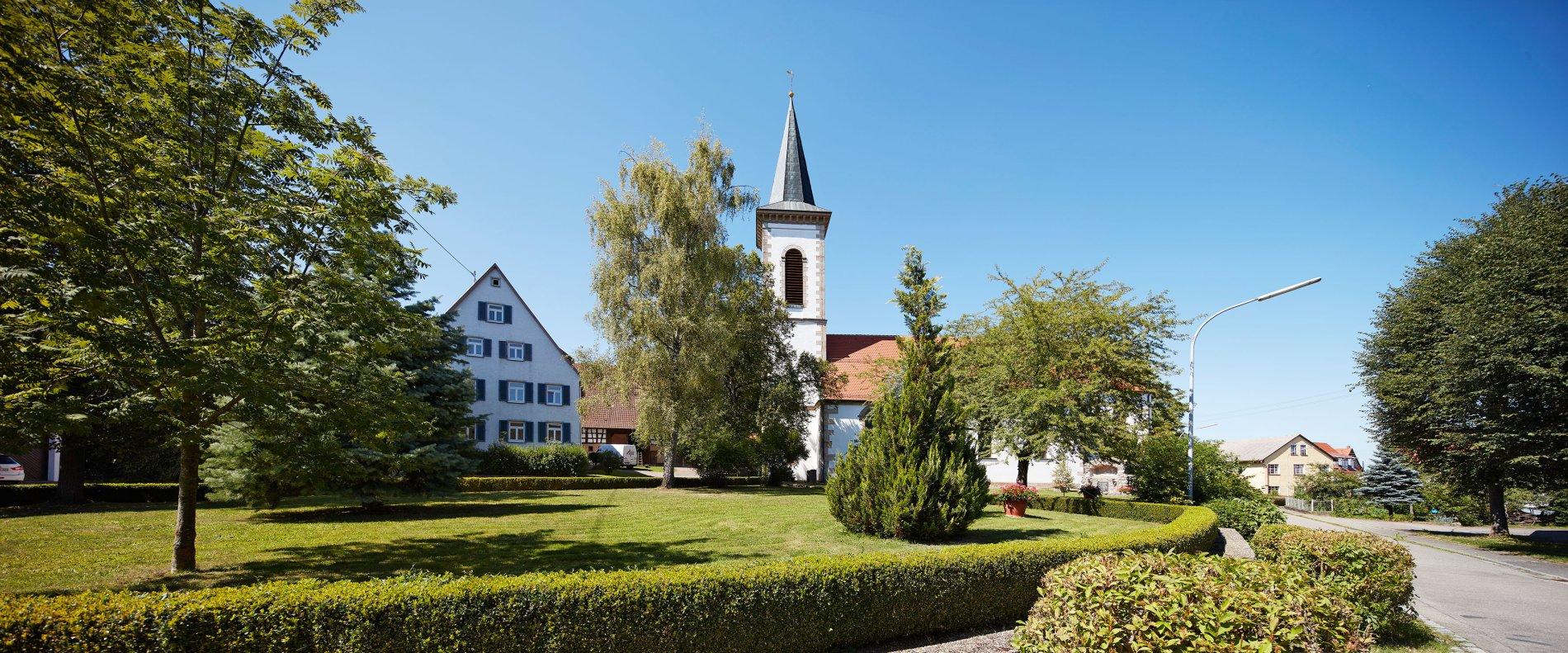 Ortsansicht mit Kirche in Dormettingen
