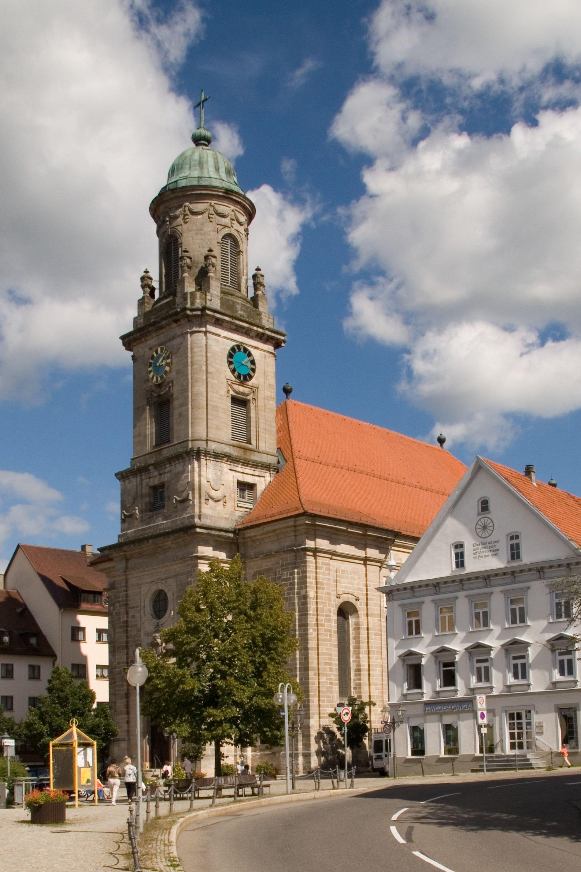 Außenansicht Stiftskirche St. Jakobus Hechingen