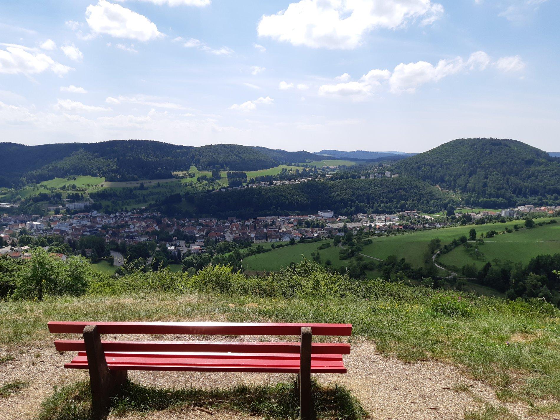 Ausblick vom Meinetshaldenfels auf Albstadt-Truchtelfingen