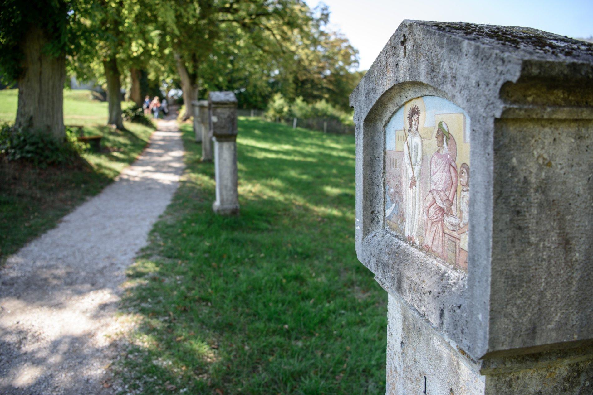 Kreuzweg oberhalb vom Kloster Weltenburg