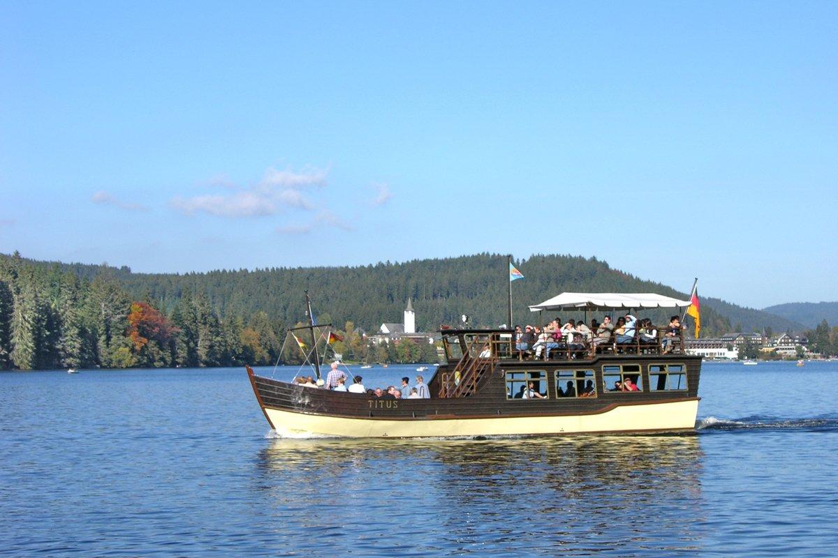 Titus Rundfahrtschiff