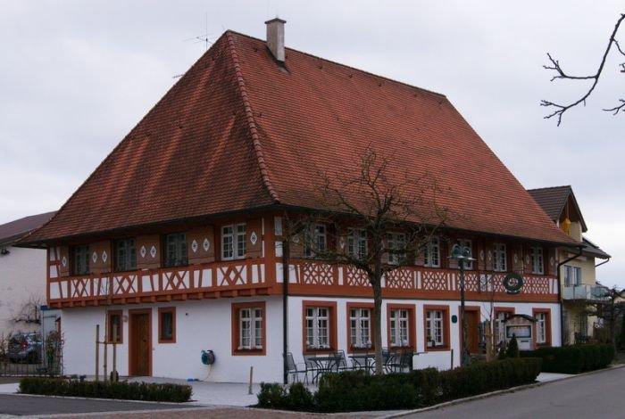 Haus Montfort Frontansicht