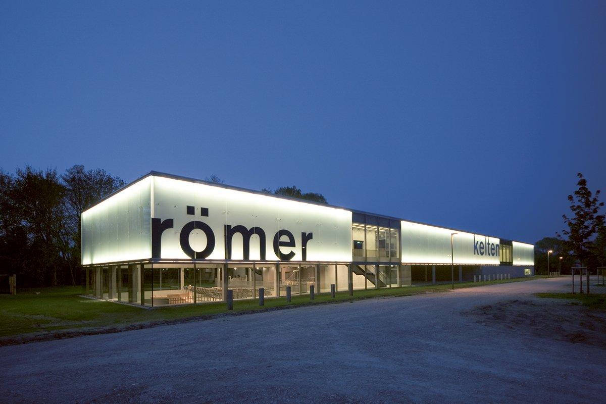 Das Museum in der Abenddämmerung