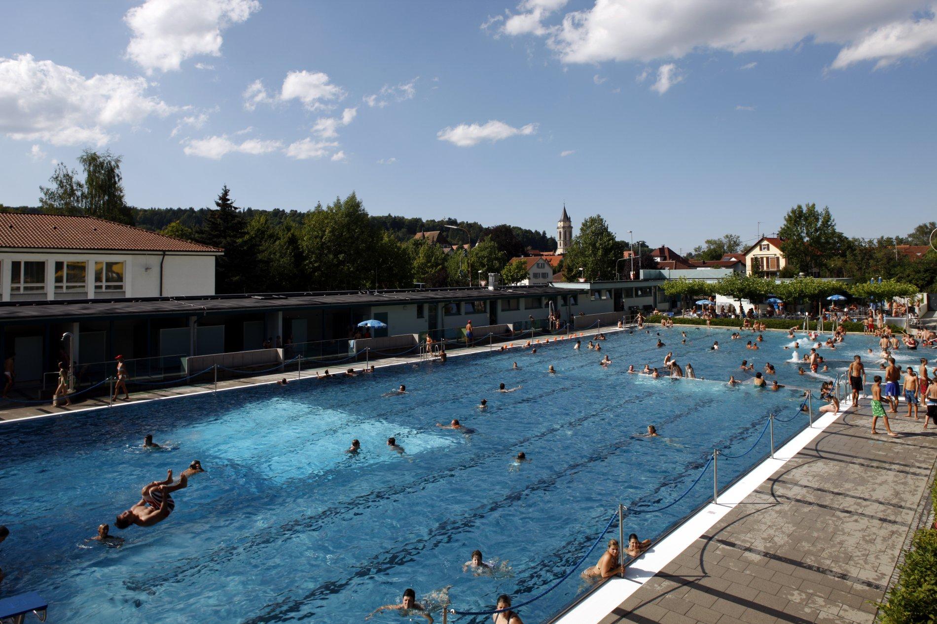 Schwimmbecken Freibad Balingen