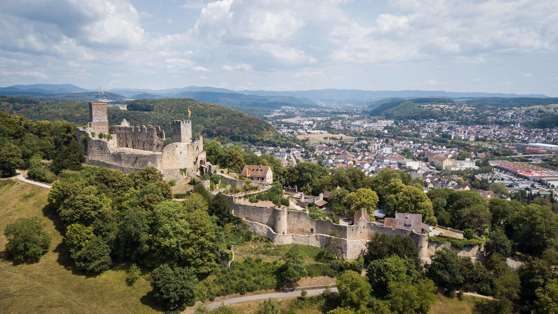 Blick auf Burg Rötteln und Lörrach