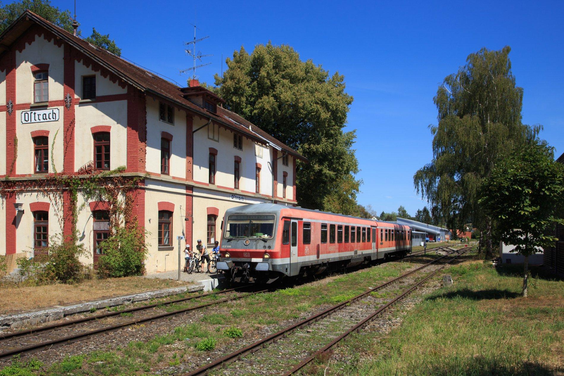Bahnhofsgebäude Ostrach