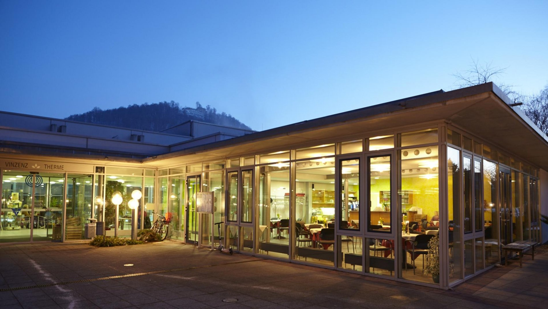 Thermalbad Cafe in der Vinzenz Therme Bad Ditzenbach