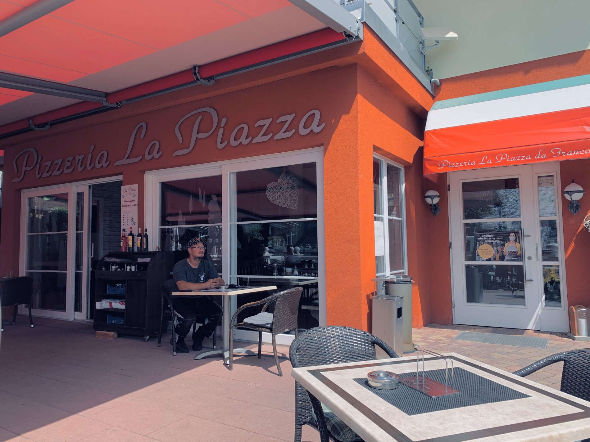 Außenansicht der Pizzeria La Piazza