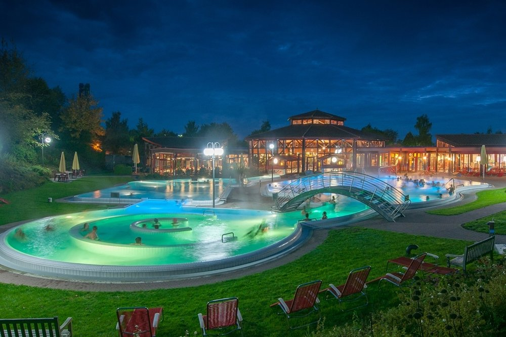 """Sonnenhof"" Thermal Bath & Spa at night"