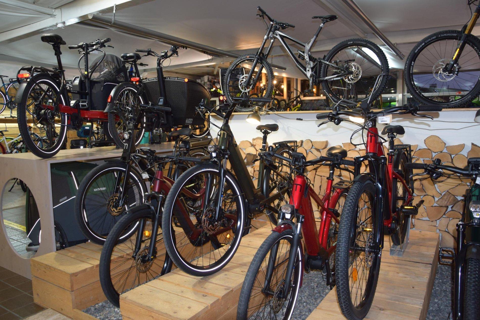 Sporträdle Laden von der Straße aus