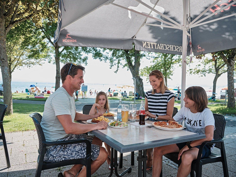 Familie in der Aquastaad Gastronomie