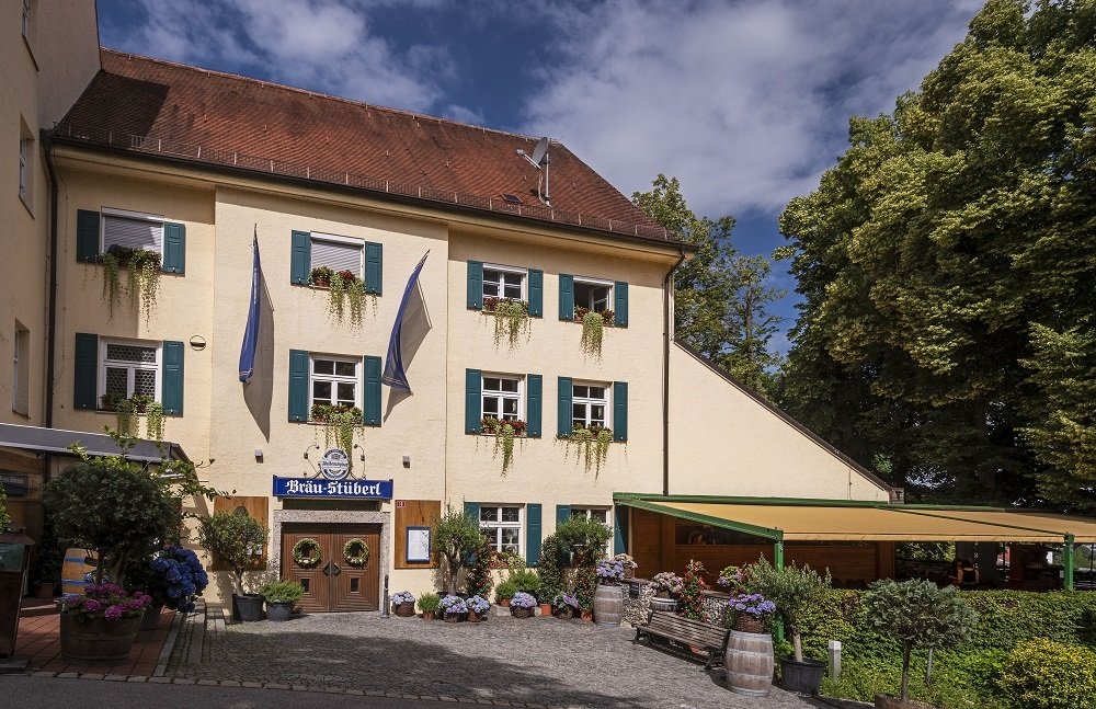 Gebäudefront des Bräustüberls Weihenstephan in Freising