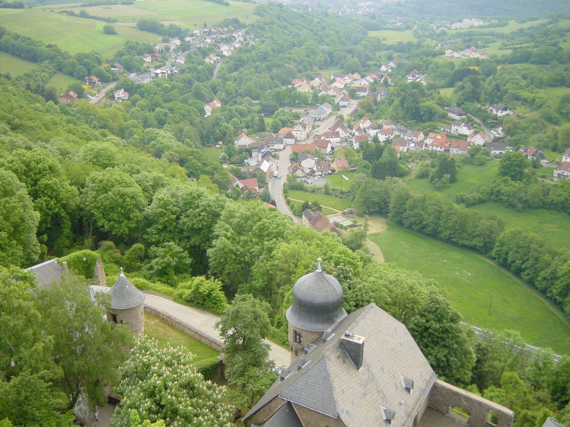 Blick von Burg Lichtenberg auf Ruthweiler