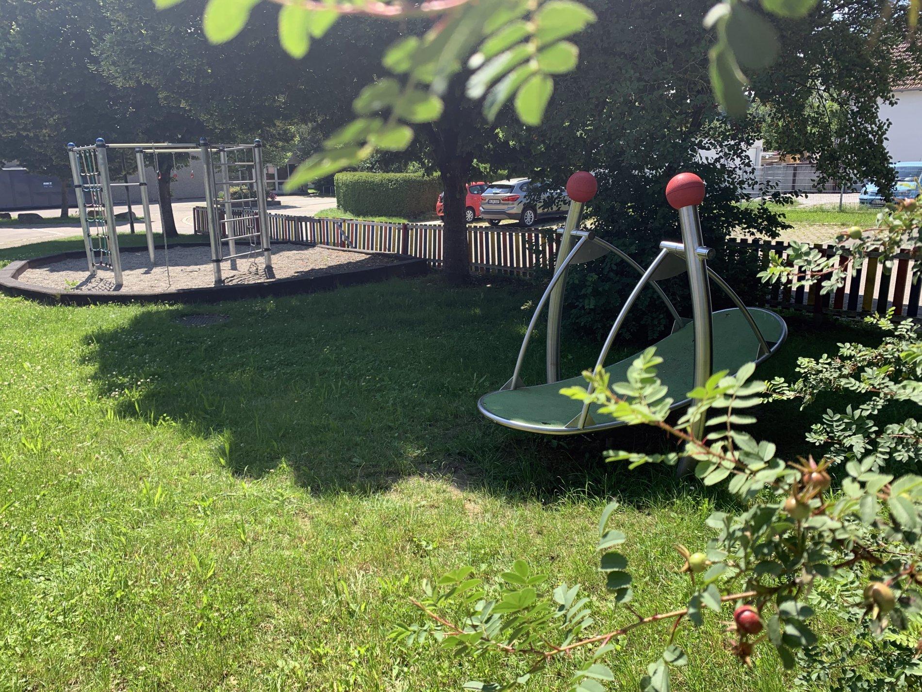 """Spielplatz """"Hinter der Grundschule"""""""