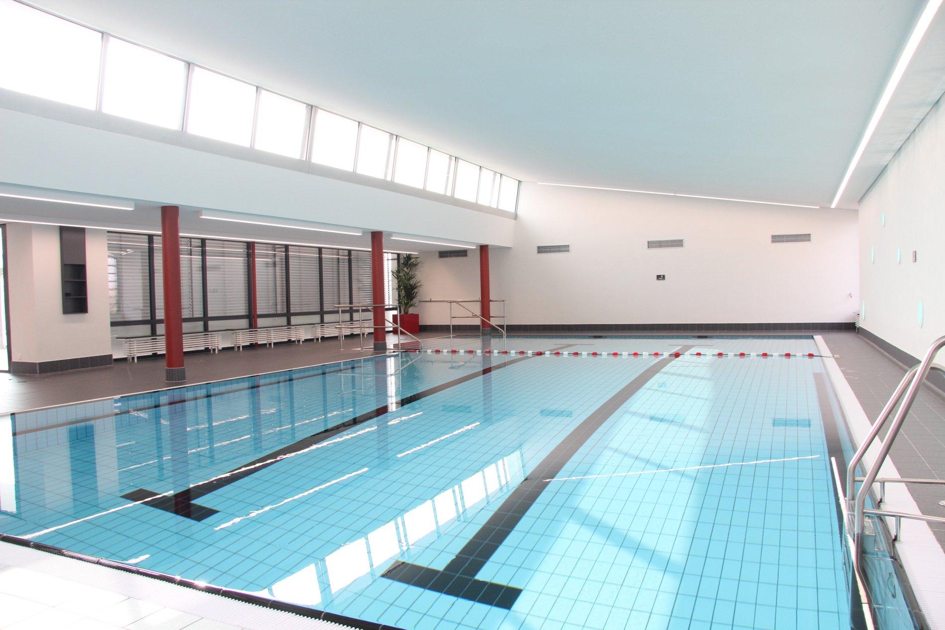 Schwimmbecken Hallenbad Bisingen