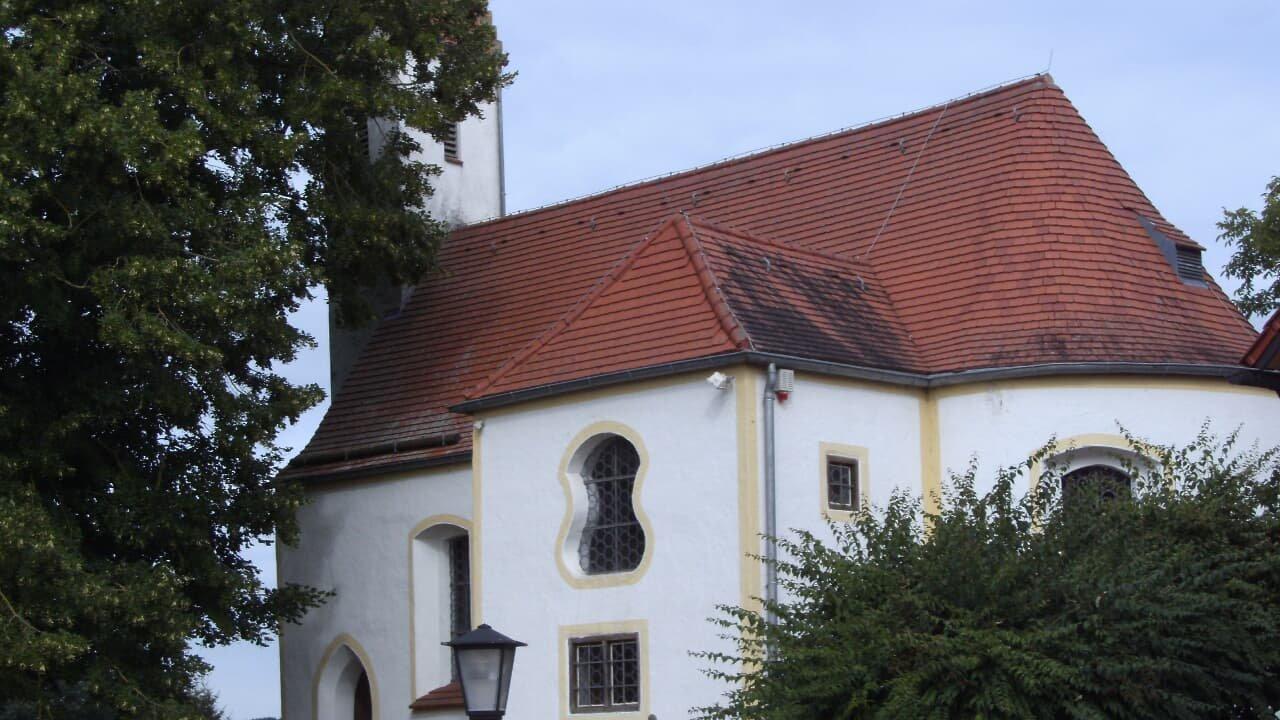 Blick auf die Schlosskapelle Gerolsbach