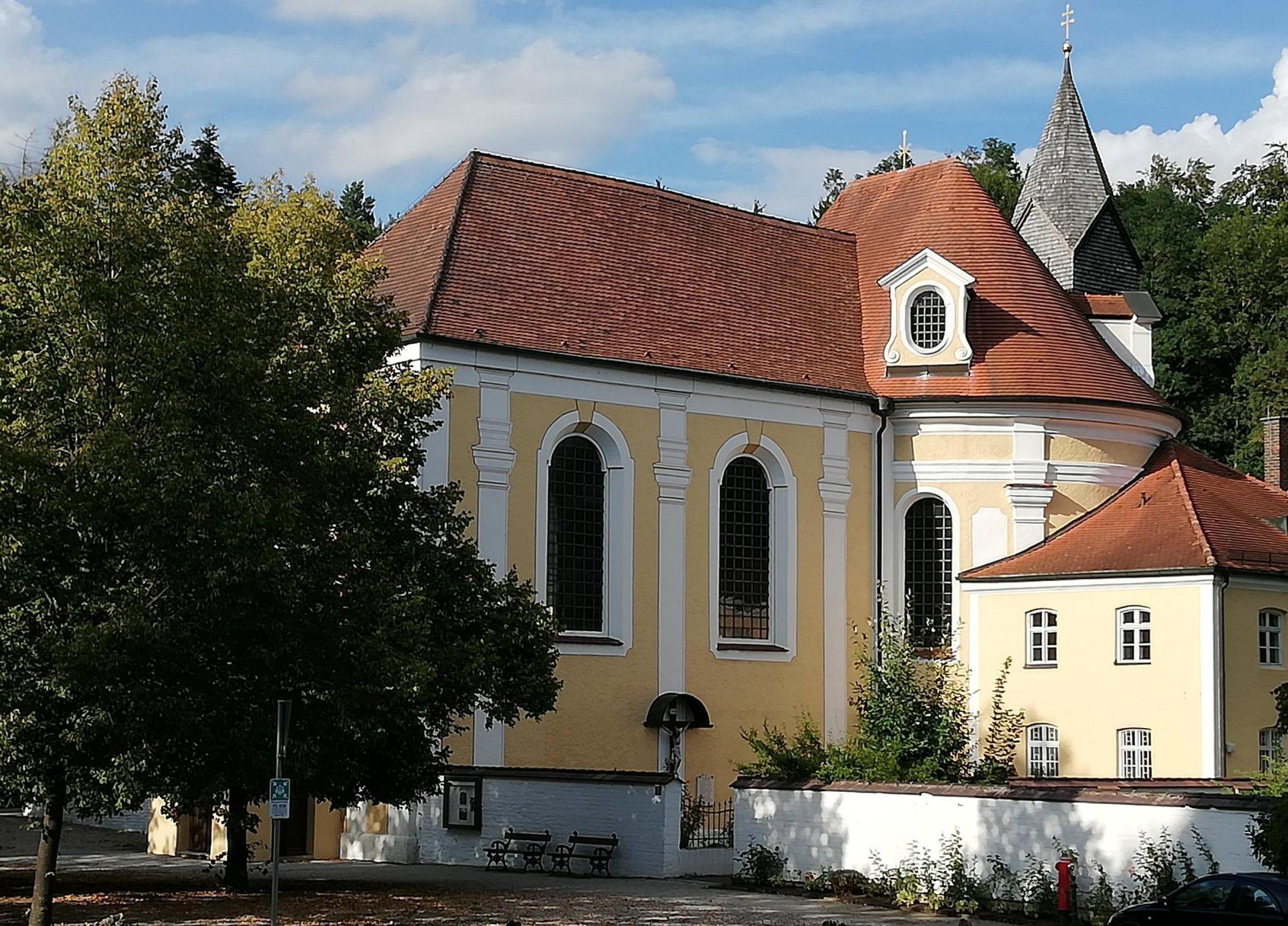 Blick auf die Wieskirche in Freising