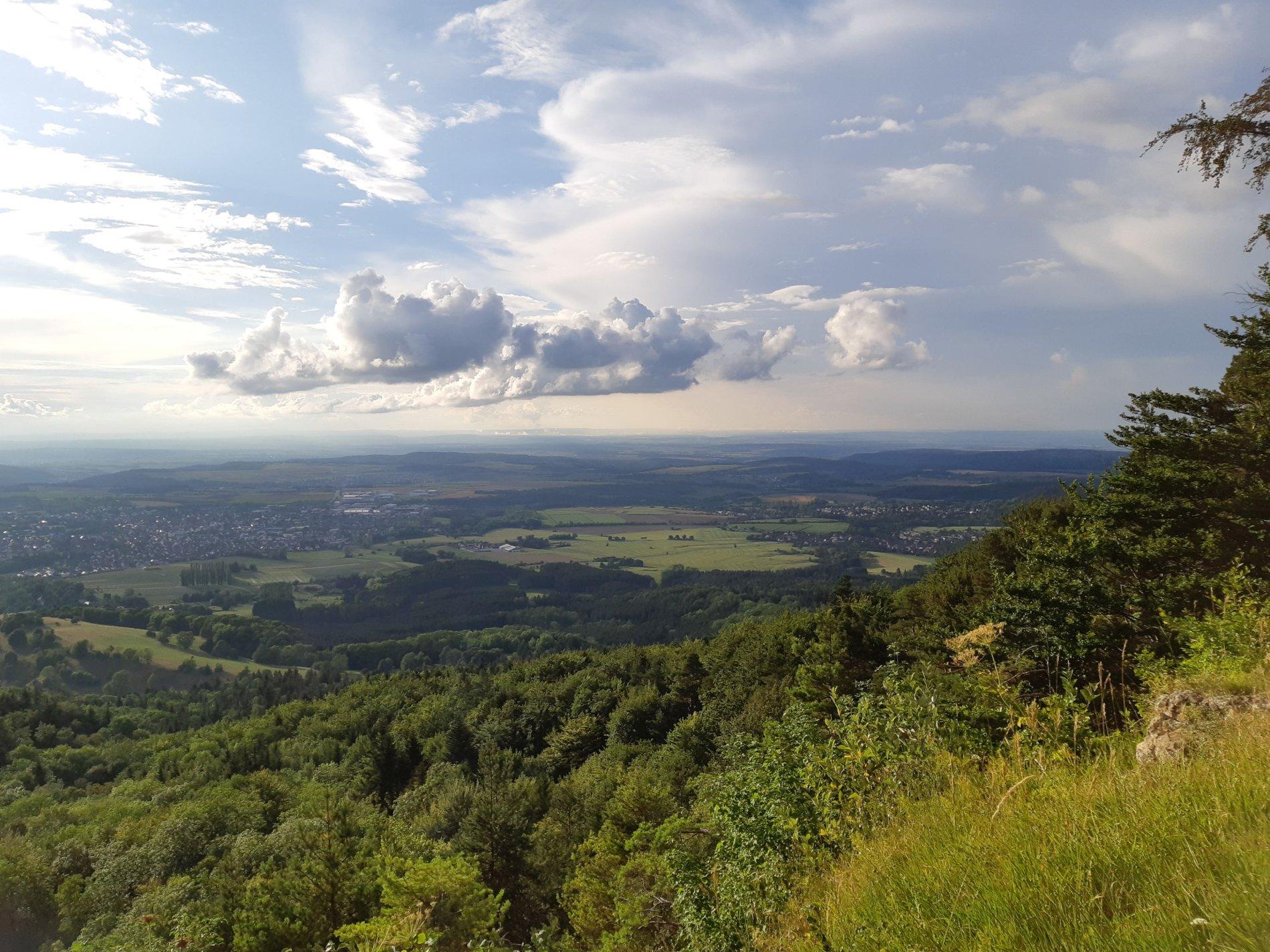So weit das Auge reicht... Aussichtspunkt Blasenberg, Albstadt-Onstmettingen