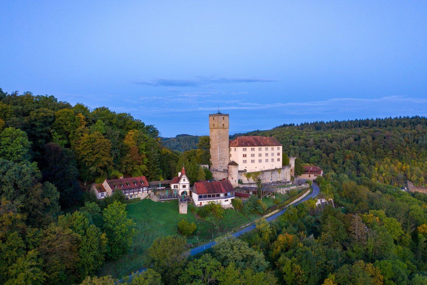 Burg Guttenberg im Neckartal