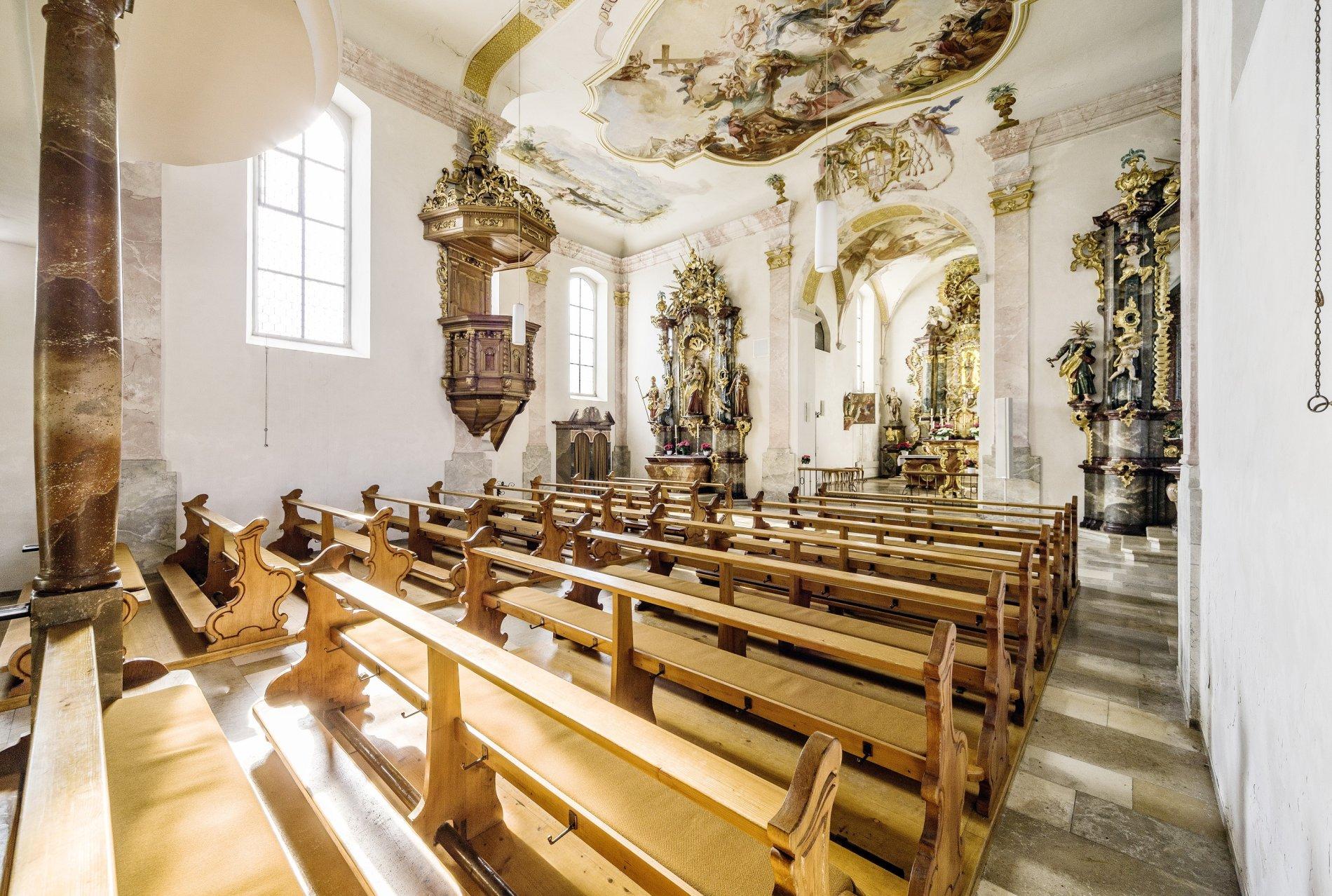 Die Innenansicht einer Kirche