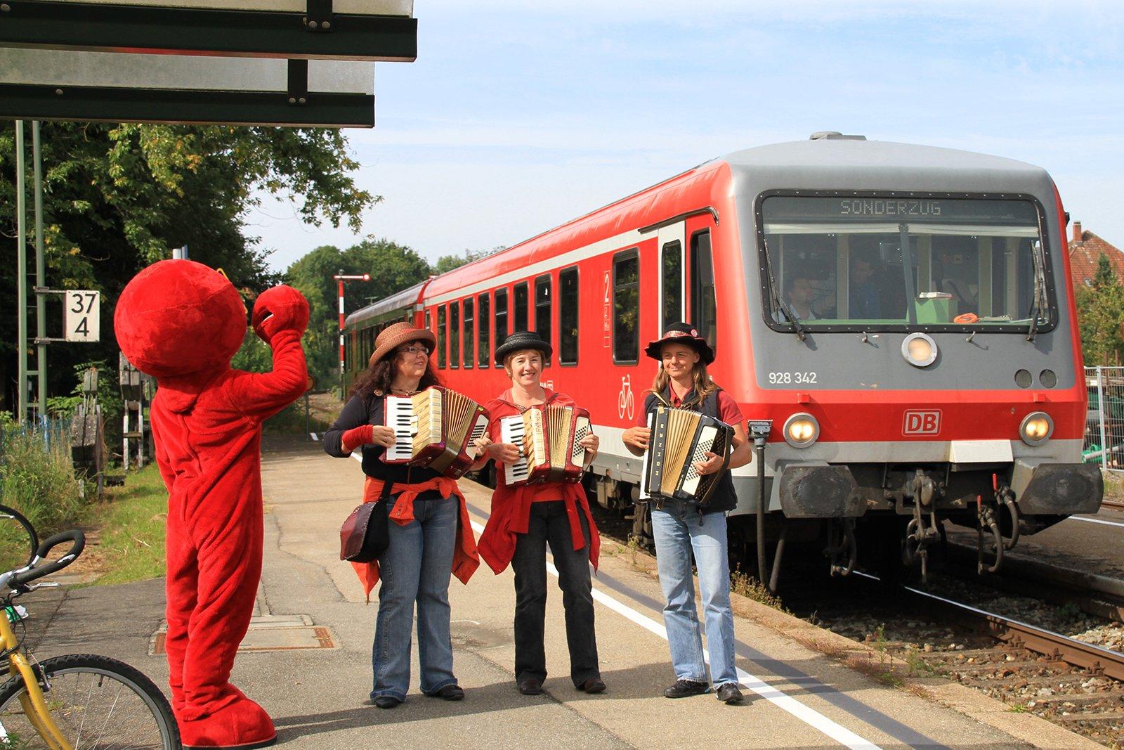 Großer Bahnhof für die Moorbahn in Bad Waldsee