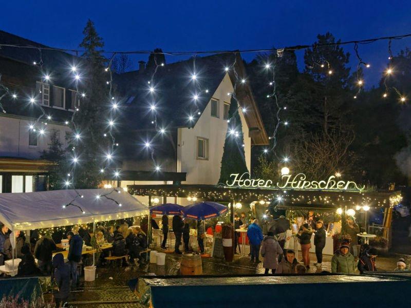 Weihnachtsmarkt am Hotel Hirschen