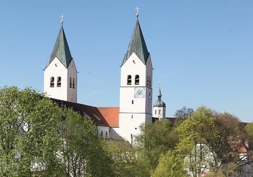 Mariendom Freising mit den beiden markanten Türmen