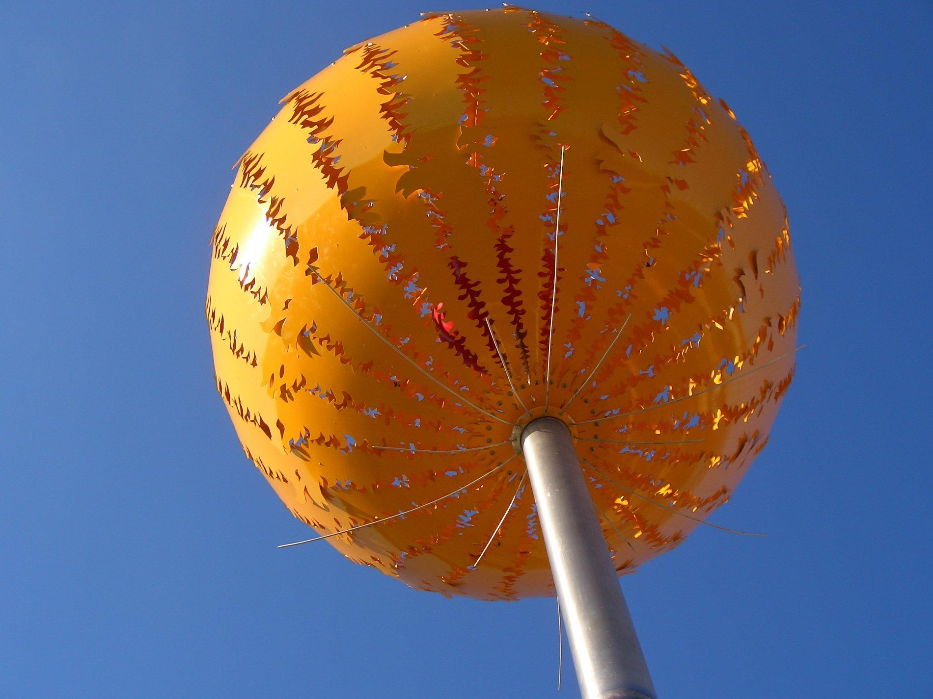 Orangener Planet