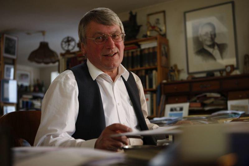 Dr. Volker Michels