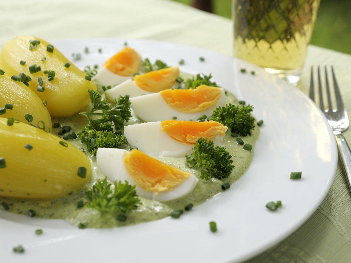 Grüne Soße mit Ei