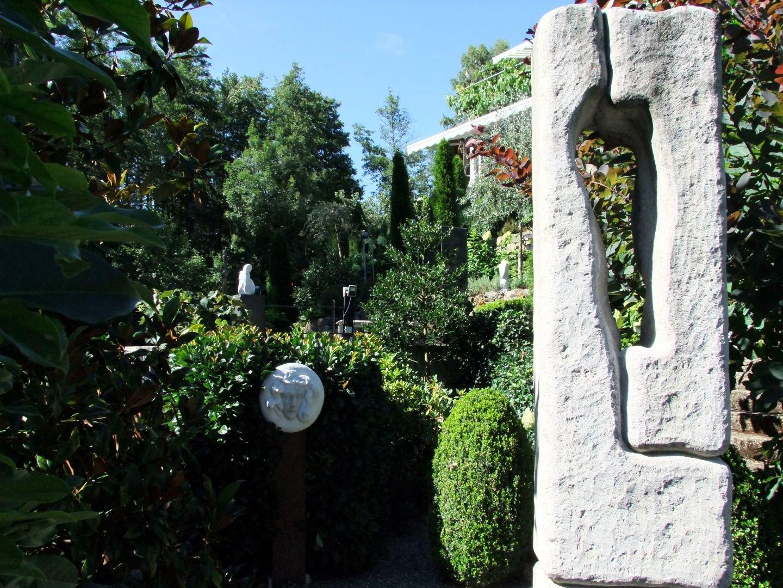 Skulptur im Garten des Seeatelier Gaienhofen