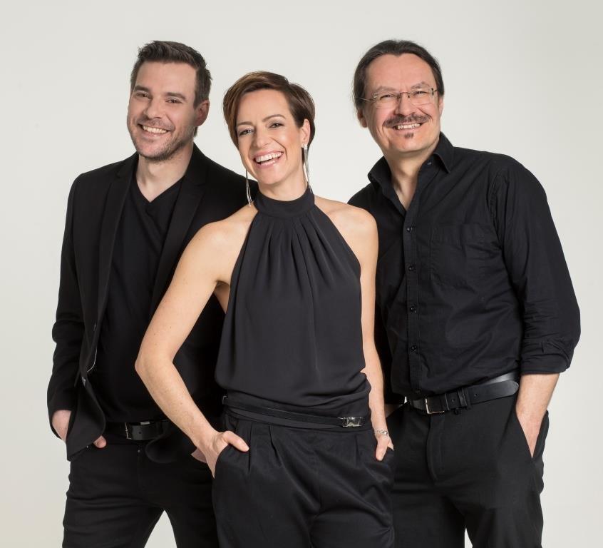 Die Musiker von Trio Cajon: Sigrun Schumacher, Andy Schoy und Gerhard Wurst