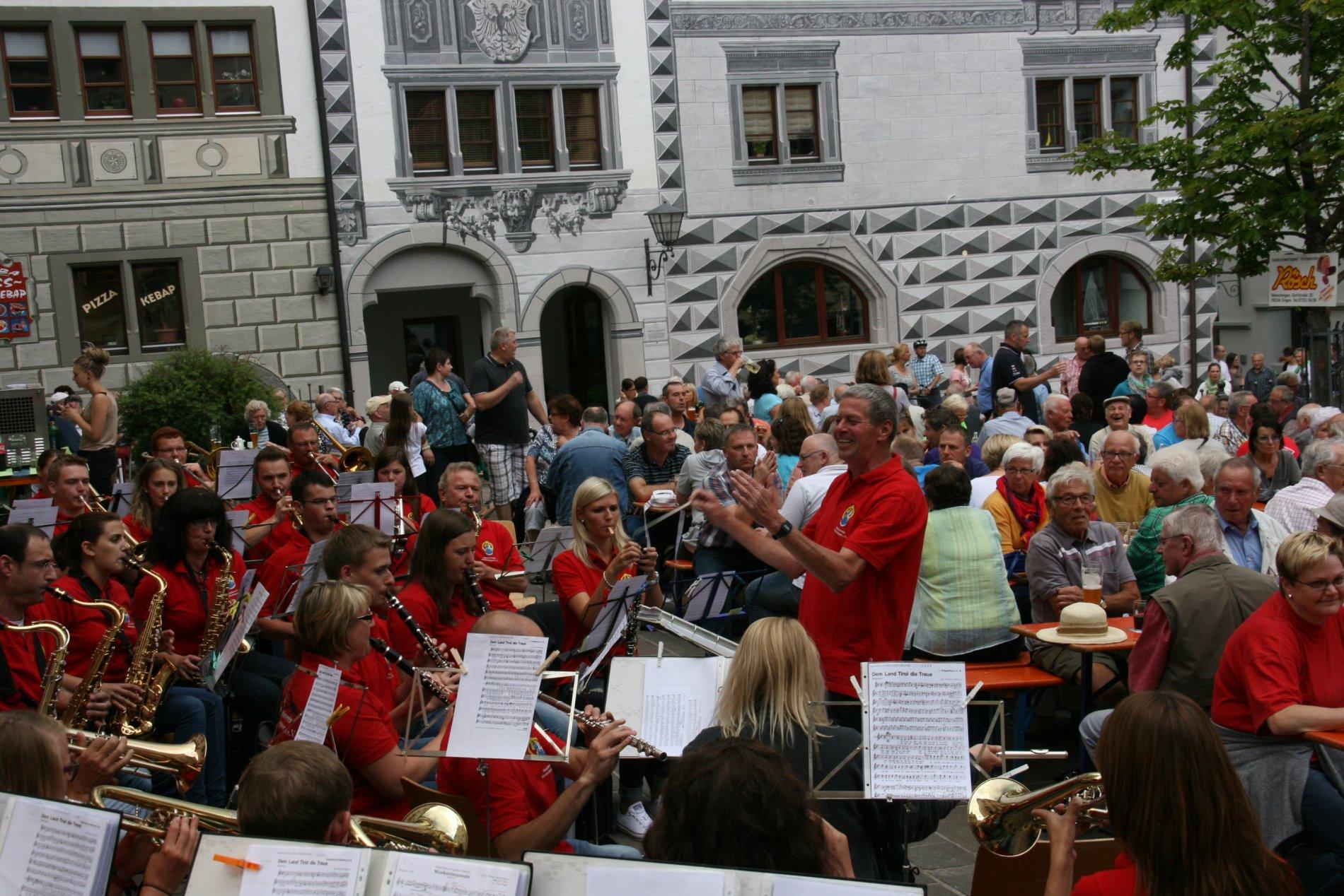 Stadtmusik beim Feierabendhock
