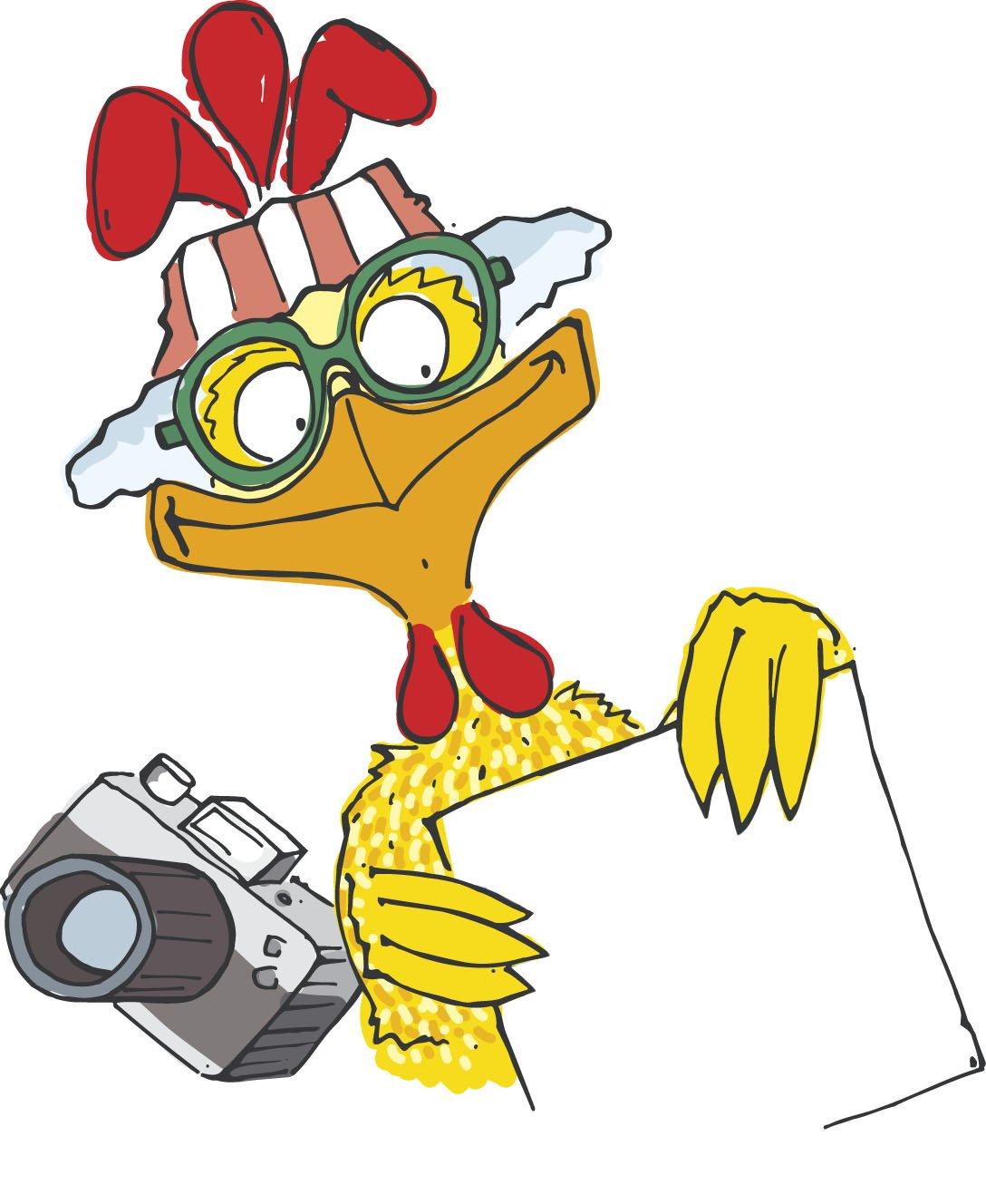 Familie spielt auf kleinem Spiel-Segelschiff