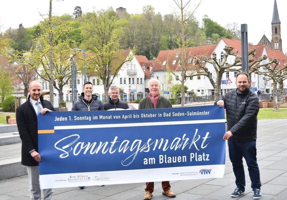 """Sonntagsmakt am """"Blauen Platz"""""""