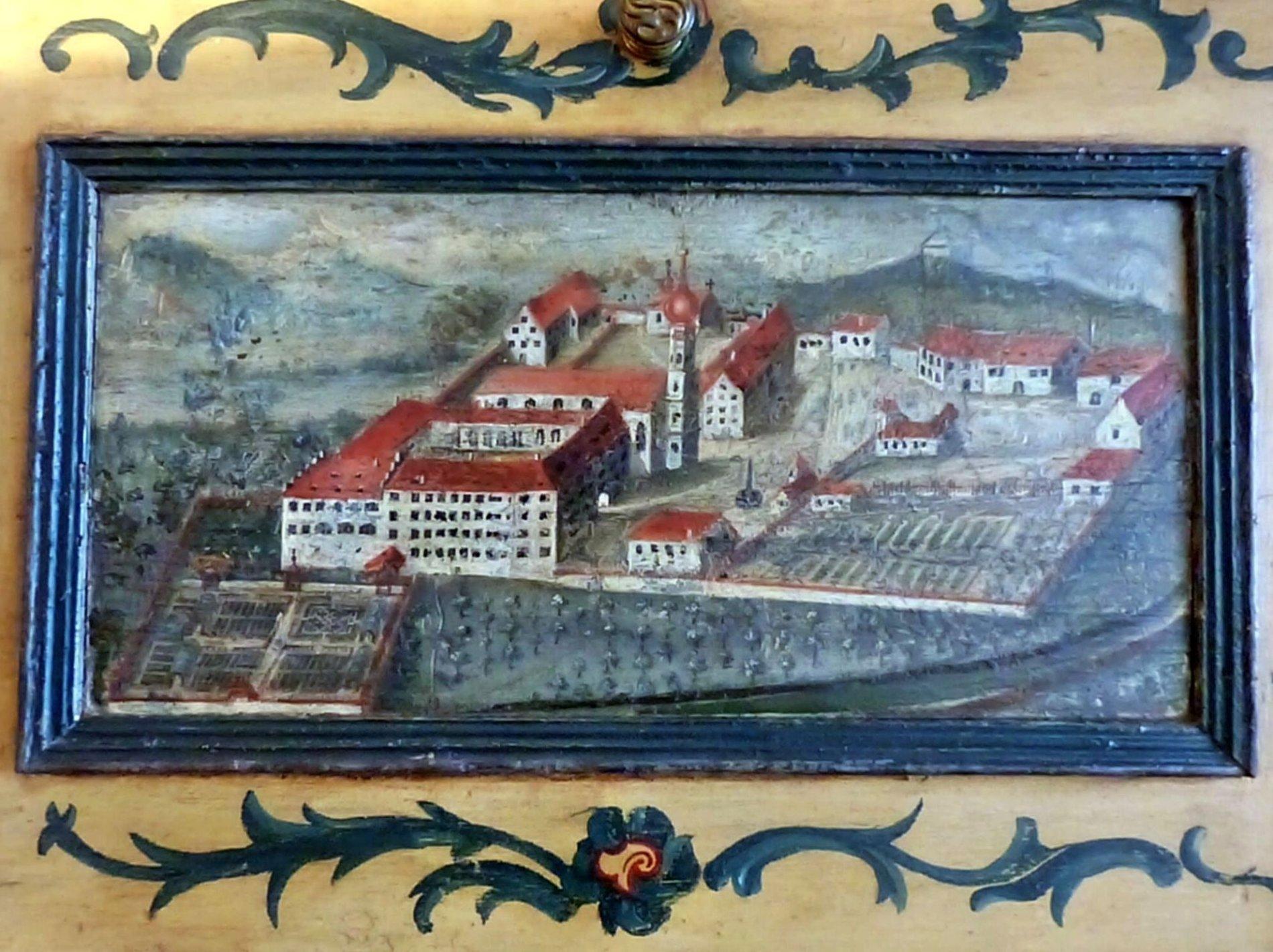 Klosterbild auf einem Schrank im Konventsaal