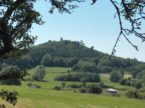 Blick zum Hessenturm bei Niedenstein