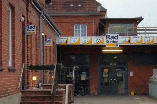 Radstation im Bahnhof