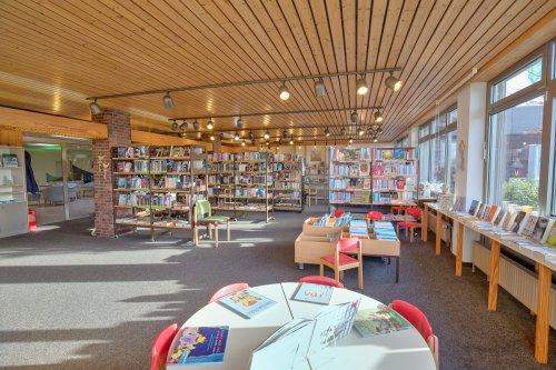 Innenansicht Bücherei Horumersiel