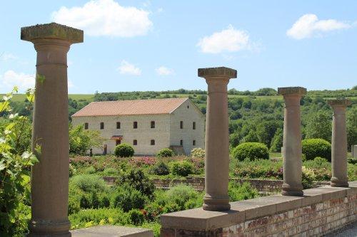 Blick auf die Taverne im Europäischen Kulturpark Bliesbruck-Reinheim