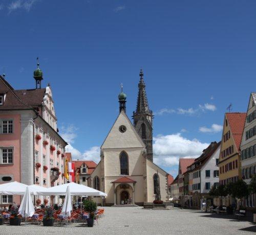 Marktplatz in Rottenburg mit Dom St. Martin